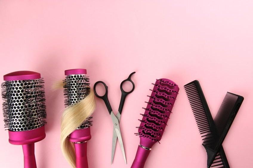 מסרקים ומברשות לשיער
