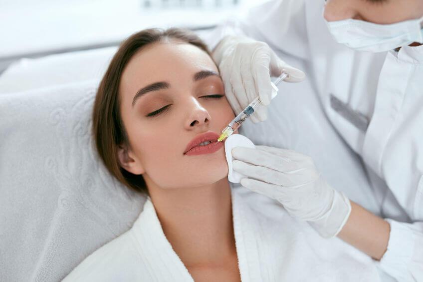 מילוי שפתיים להוספת נפח ותיקון צורה