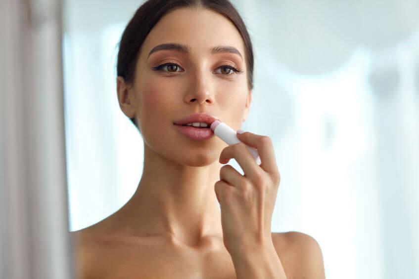 איך להשיג מראה של שפתיים מושלמות