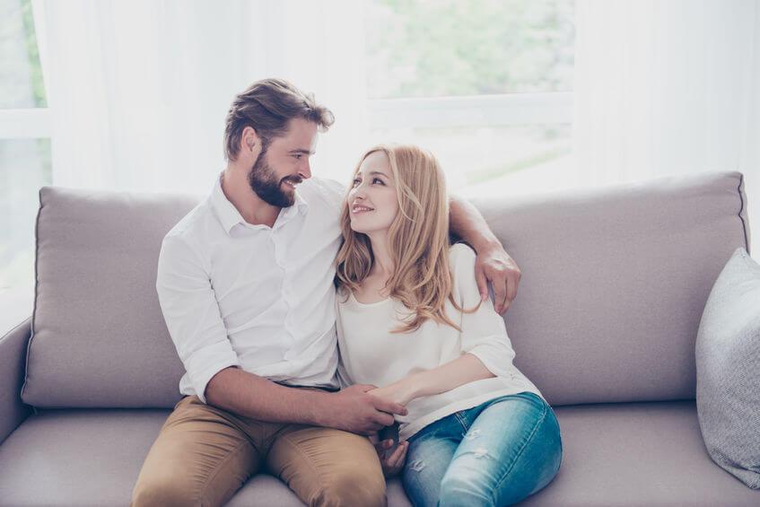בלוג אהבה וזוגיות - איך לדעת שהוא אוהב אותך לפי שפת הגוף