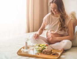 מה אסור לאכול בהריון