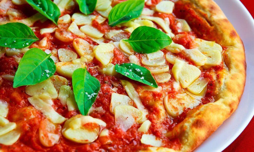 איך להכין פיצה ביתית